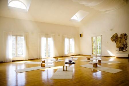 yoga-studio-2-450×300